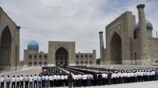 only-males-at-karimov-funeral-ceremony